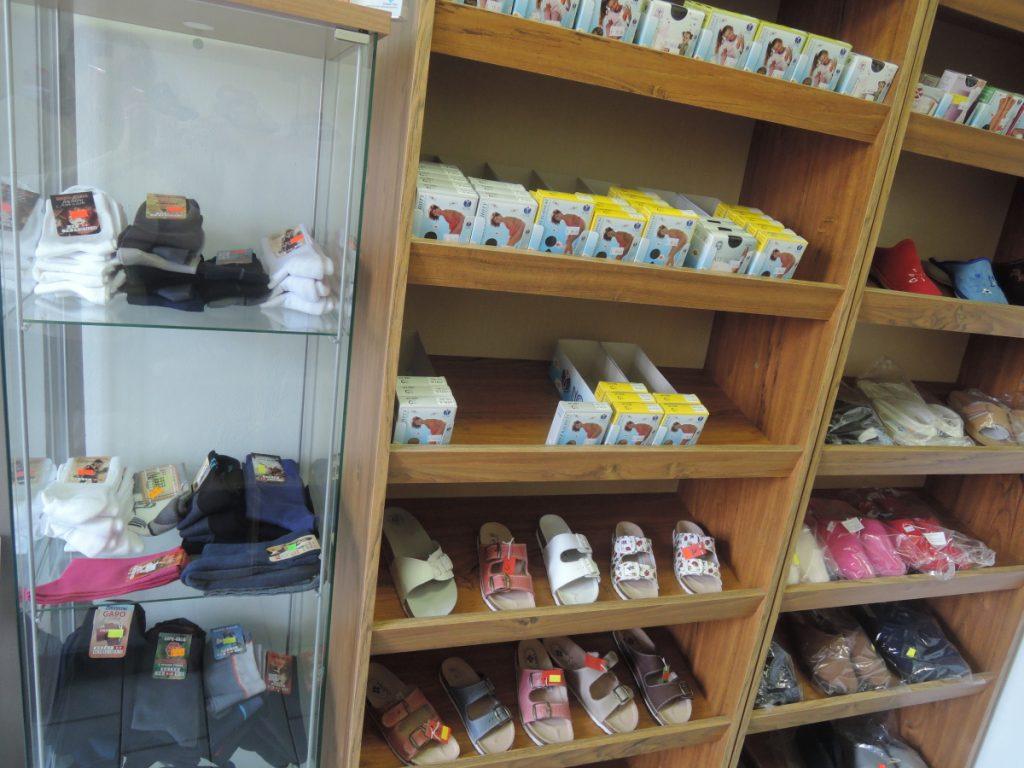 Nově punčocháče, silonové ponožky a návleky v naší lékárně.