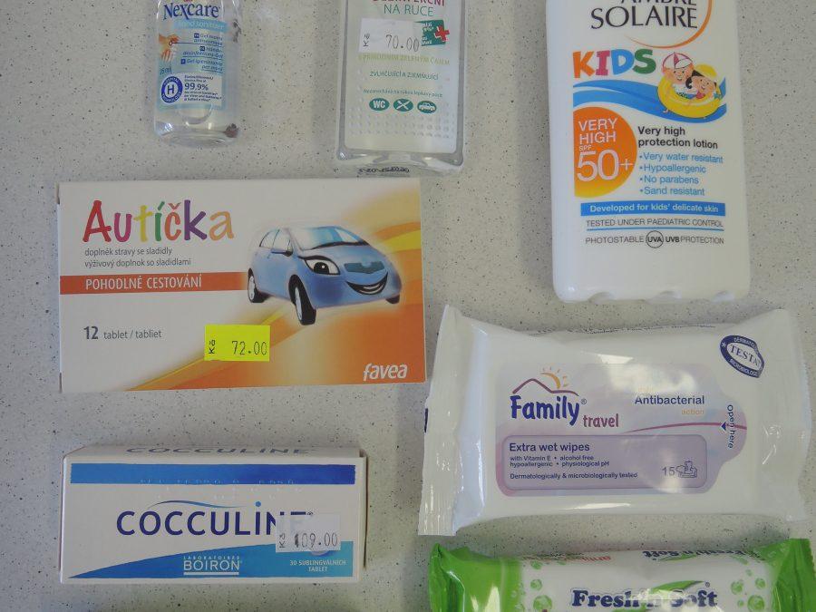 Nezapomeňte do příručních tašek přibalit tyto nutné potřeby…